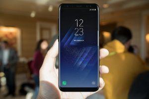 صورة واقعية جديدة لهاتف Galaxy S8 وهو بجانب هاتف +Galaxy S8
