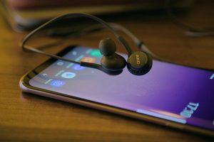 معلومات تخص سماعات AKG التي تم تضمينها في هاتف Galaxy S8