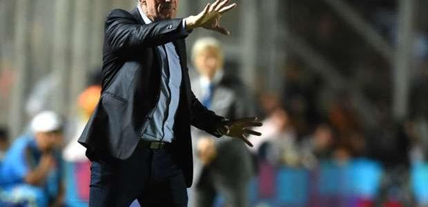 الأرجنتين تقيل مدربها باوزا