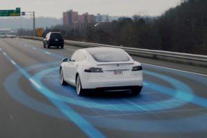 توقعات تيسلا بقدوم السيارات الذاتية القيادة في 2019
