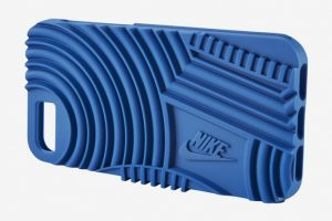 صور الأغطية الواقية الجديدة لهاتف iPhone 7 من شركة Nike