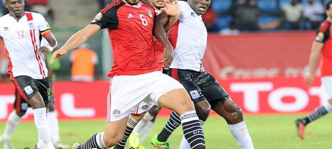 نتيجةمباراة مصر واوغندا اليوم وملخص فوز المصريين في تصفيات كأس العالم في مباراة العودة بهدف صلاح في البداية
