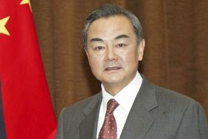 وزير الخارجية الصيني يعلن دعم بلاده إقامة دولة فلسطينية على حدود 1967