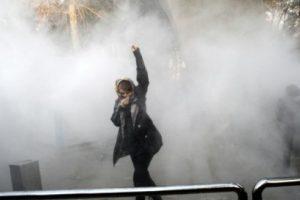 تحذيرات من الحكومة الإيرانية للمتظاهرين المشاركين في الاحتجاجات والمظاهرات الإيرانية