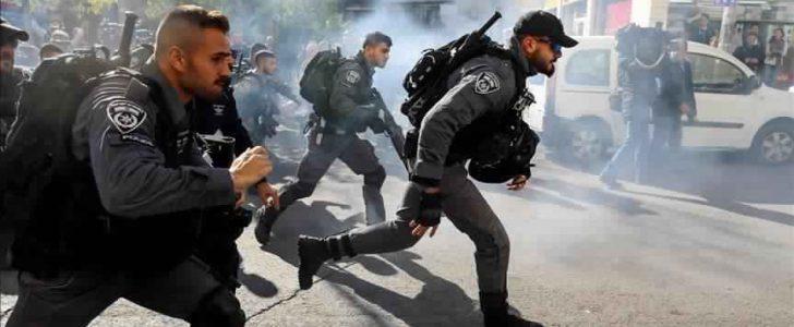 الشرطة الإسرائيلية تعتقل شابين فلسطينيين في القدس وتمنع الشيخ كمال الخطيب من دخول الأقصى