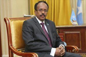 وصول رئيس الصومال إلى مدينة إسطنبول للمشاركة في قمة التعاون الإسلامي الطارئة