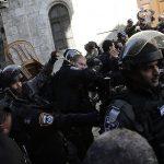 جنود الاحتلال الإسرائيلي تعتدي على شابة فلسطينية في منطقة باب العمود بالقدس الشرقية