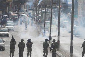 جيش الاحتلال الإسرائيلي يستخدم القوة لتفريق تظاهرة منددة بقرار ترامب في مدينة بيت لحم