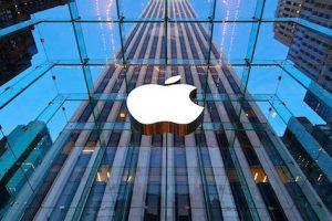 شركة آبل تتلقى دعوى قضائية ثالثة لتجنبها إصلاح الخلل بهواتفها