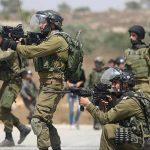 اندلاع مواجهات بين شبان فلسطينيين وجنود جيش الاحتلال الإسرائيلي في غزة والضفة
