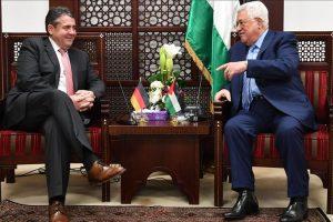 محود عباس يأمل في دور ألماني فرنسي لإحياء عملية السلام في الشرق الأوسط