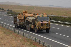 تركيا ترسل بتعزيزات عسكرية جديدة إلى الحدود السورية واستهداف عفرين بالقذائف المدفعية