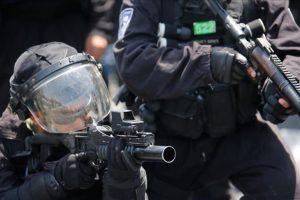 الفلسطينيين يواجهون الإرهاب الإسرائيلي وتجريف الأراضي الزراعية الفلسطينية بالقرب من نابلس