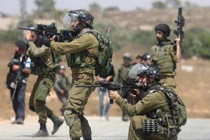إصابة شاب فلسطيني برصاص جنود الاحتلال في محيط جامعة بيرزيت بالضفة الغربية