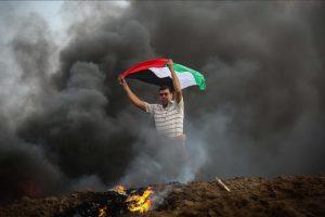 إصابة ثمانية شبان فلسطينيين برصاص جيش الاحتلال الإسرائيلي في قطاع غزة المحاصر