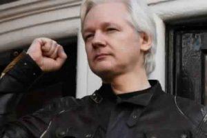 الإكوادور تؤكد استمرارها في حماية مؤسس موقع ويكيليكس من محاولات اعتقاله
