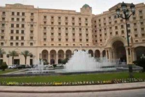 فندق ريتز كارلتون يفتتح أبوابه أمام النزلاء بعد وداع الأمراء والوزراء السعوديين المعتقلين بتهم فساد