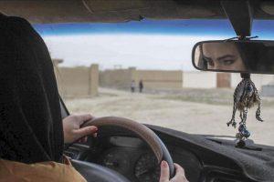 ساعات قليلة تفصل نساء المملكة العربية السعودية عن قيادة السيارات في طرق المملكة