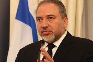 وزير دفاع الاحتلال الإسرائيلي يتعهد بمواجهة مطلقي الطائرات الورقة الحارقة