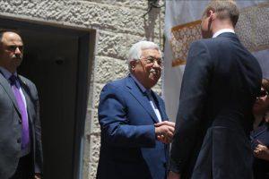الأمير ويليام يلتقي برئيس السلطة الفلسطينية في رام الله خلال زيارته للضفة الغربية المحتلة