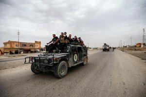 مصدر عراقي يكشف عن سيطرة محتجين عراقيين على مطار النجف الدولي وتعليق حركة الطيران