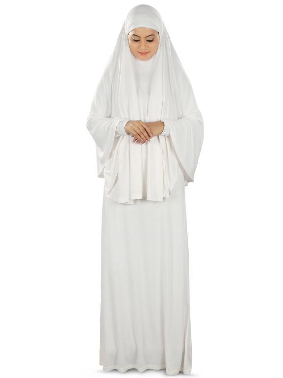 ثياب الحاج والحاجة من السنة