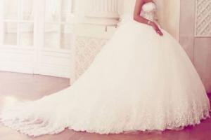 تفسير حلم الفستان الأبيض في المنام