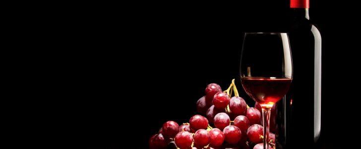 فوائد شراب قرمز للأسنان والجهاز الهضمي