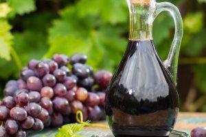 أضرار وفوائد خل العنب للجسم والبشرة