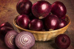 فوائد اكل البصل وقيمة الغذائية للانسان