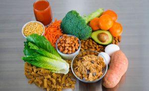 أطعمة ومشروبات تساعد على تخفيف التوتر