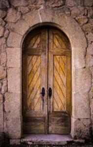 تفسير حلم رؤية البواب في المنام