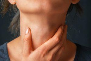 عقيدات الغدة الدرقية أسباب الإصابة وأعراضها