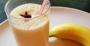 مشروب الموز باللبن فوائده واضراره