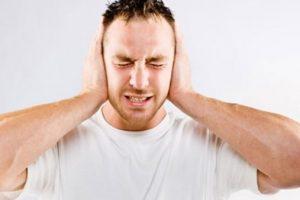 كيفية علاج طنين الأذن وما هي أسبابه