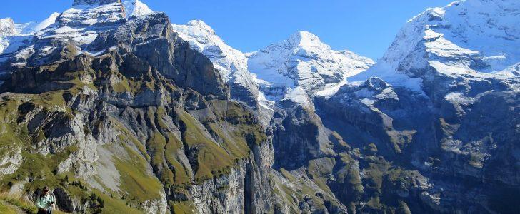 قمم جبلية في سويسرا