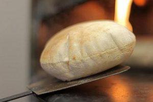 تفسير حلم شراء الخبز في المنام