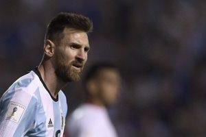 بداية صعبة للأرجنتين بعد الهزيمة على يد كولومبيا وخيبة أمل شعار الصحف الأرجنتينية