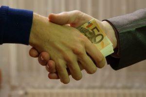 تفسير حلم رؤية الديون وتسديدها في المنام