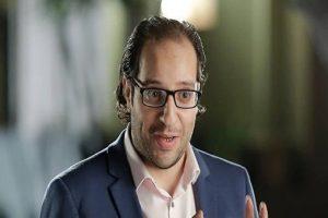 أحمد أمين ينعي وفاة الطبلاوي: اتربينا على صوته