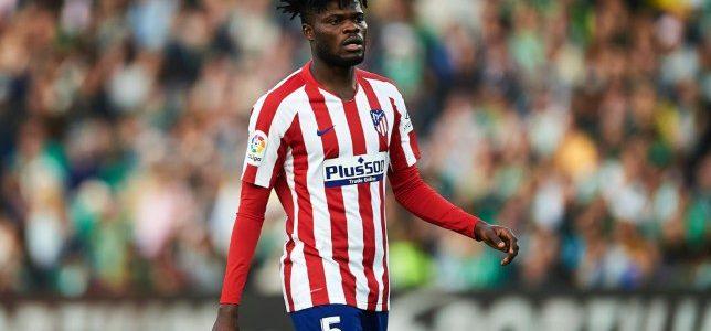 أتليتكو مدريد يضع شروطه للموافقة على بيع توماس بارتي