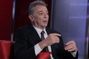 محمود حميدة يسترجع ذكريات شمس الزناتي بصورة للريس برعي