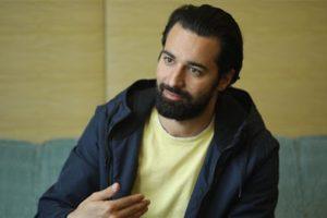 أحمد حاتم ينشر صورة من كواليس فيلم الغسالة برفقة محمود حميدة