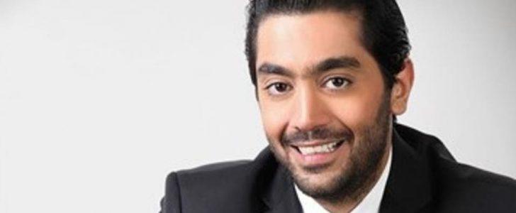 أحمد فلوكس يعلن عن سرقة هاتفه