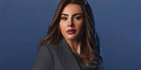 دينا فؤاد تسترجع ذكرياتها مع نور الشريف: وحشتني يا أستاذي