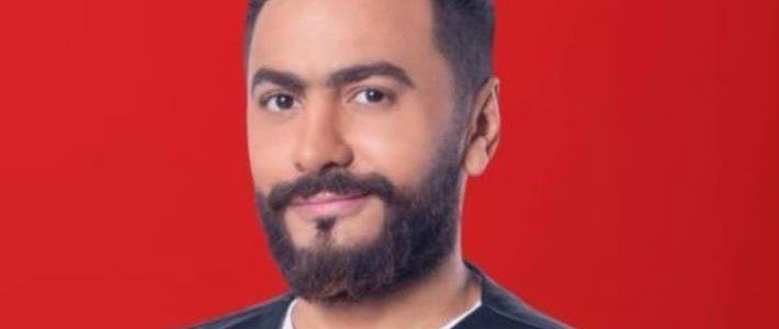 تامر حسني يرد على حقيقة إصابة والده بوعكه صحية