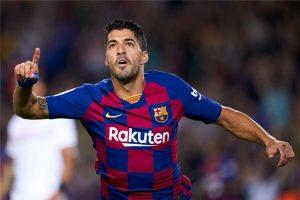 تقارير: سواريز قد يبقى في برشلونة بسبب ليونيل ميسي
