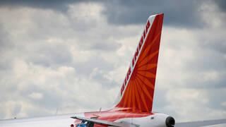 قتلى وجرحى في تحطم طائرة قادمة من الإمارات لدى هبوطها جنوب الهند