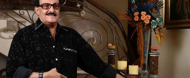 سمير غانم يسخر من شائعة مرضه .. ويعد الجمهور بمسرحية ومسلسل في الفترة القادمة