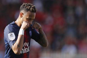 """""""لو باريزيان"""" تكشف حقيقة الألفاظ العنصرية ضد نيمار في مباراة مارسيليا"""
